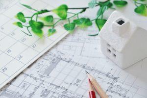 宅地建物取引士_家の模型と図面の画像